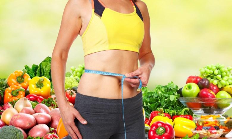 """صورة إخصائية التغذية غنى صنديد لـ""""أحوال"""": الفاكهة تسبّب السّمنة وهذه أبرز مضارها"""