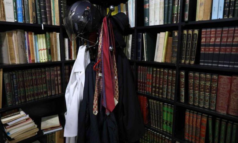 مكتب لقمان سليم. الصورة لـ :أنور عمرو / أ ف ب