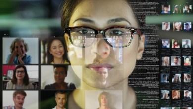 أجبرت جائحة كوفيد العلماء على مشاركة أبحاثهم في مؤتمرات افتراضية في العام الماضي. Photo Credit: Laurence Dutton / Getty