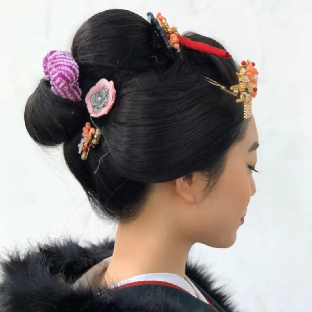 成人式日本髪レポ  成人式で日本髪にするのが夢だった❗️ というお嬢様と、 成人式で日本髪を結うのが夢だった❗️ というaider(エダー) 縁あってヘアセットさせていただきました。 ヘアセットのみは基本受けていないのですが、 日本髪結髪だけは特別なんです💕  新日本髪結わせていただいて、 ありがとうございました!   #和泉市  #着物  #和泉市成人式  #振袖  #和装  #kimono  #kitsuke  #furisode  #izumishi  #和泉市日本髪  #和泉市出張着付けaider  #成人式  #2020年成人式  #祝成人  #和泉市成人式で新日本髪 #100人目指して  #和泉市に日本髪流行らせたい  #成人式新日本髪