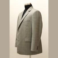 Sport jacket made of Thomas Ogilvy 130' wool fabric with hybrid light construction in Italian style / A sportzakó az angol Thomas Ogilvy 130'as gyapjújából készült könnyű hibrid technológiával olasz szerkesztéssel és olasz stílusjegyekkel