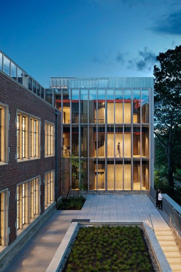 The insertion of a 10,000-square-foot addition creates a new courtyard adjacent to Pendleton West. © Michael Moran/OTTO