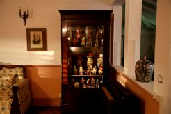 Les reliques Alex Burke Tissus et marériaux divers – 2008 - dimensions variables-photo Jean- François Boclé