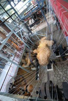Machinique Hervé Beuze bagasse, fil plastique 15 m – 2008 - Photo Dino Feigespan
