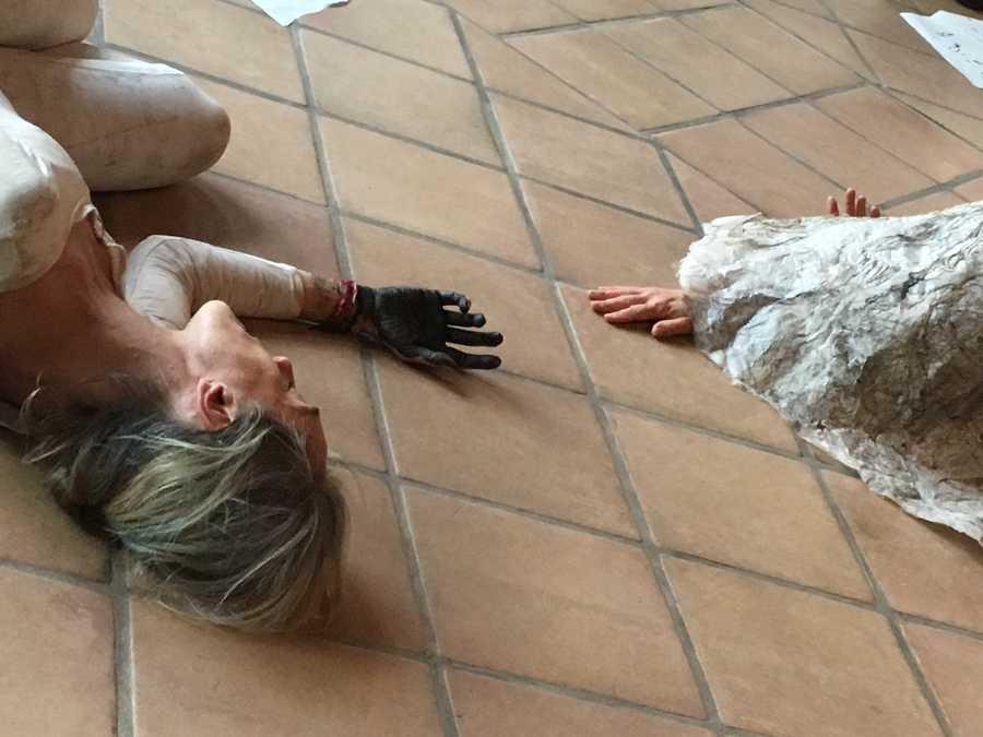 Papier sauvage performance avec Marie Saurat