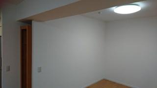ダイニングキッチン 天壁クロス貼り替え
