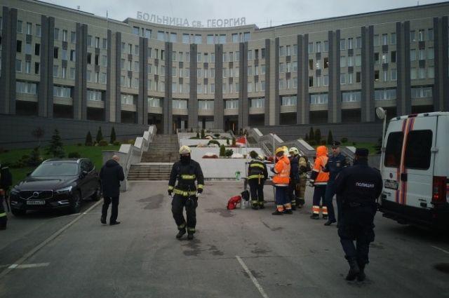 अस्पताल में, सुबह में आग लग गई।