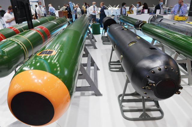 Образцы торпед на стенде АО «Корпорация Тактическое ракетное вооружение» (КТРВ) на Международном военно-морском салоне в Санкт-Петербурге, 2021.