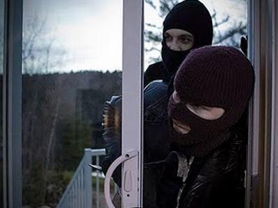 Αποτέλεσμα εικόνας για κλοπή μπαλκονόπορτα
