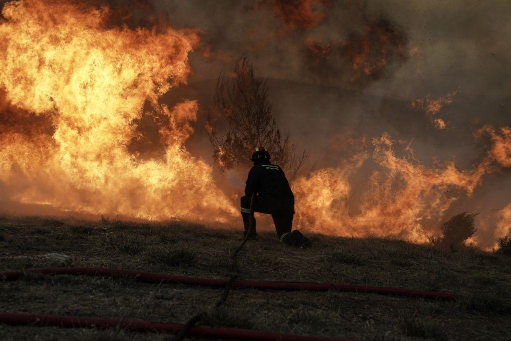 Μάτι: Πρόστιμο στον πυροσβέστη που συγκλόνισε το πανελλήνιο