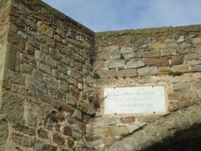 La placa conmemorativa