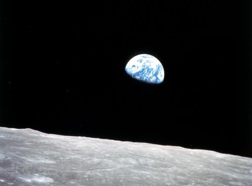 Una de las primeras fotos de la Tierra capturada durante el programa Apolo