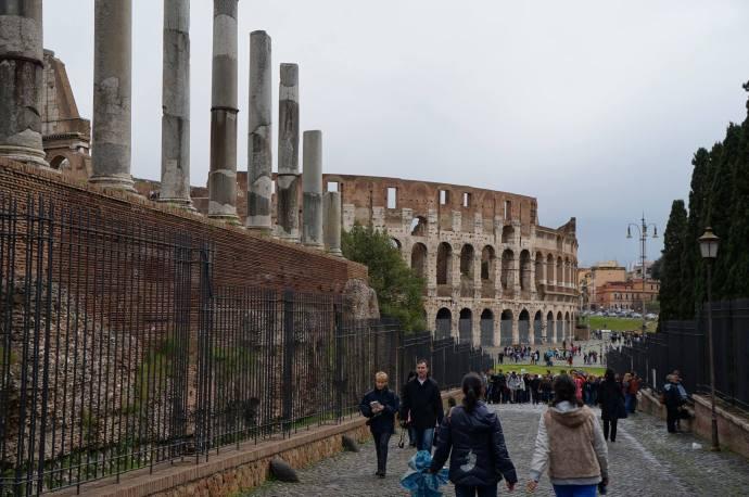 El Coliseo visto desde el Foro Romano
