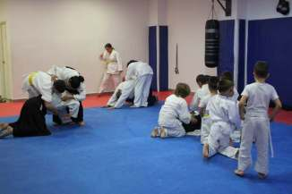 aikido-kids-infantil-y-juvenil-aikido-aikikai-san-vicente-del-raspeig-alicante-fotos-clase-31-10-2016-018-img_9497