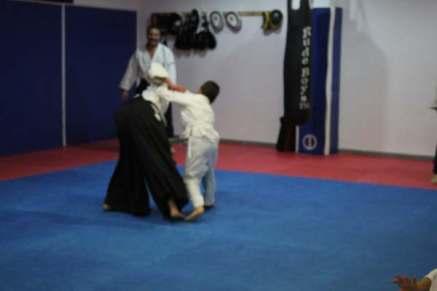 aikido-kids-infantil-y-juvenil-aikido-aikikai-san-vicente-del-raspeig-alicante-fotos-clase-31-10-2016-042-img_9579
