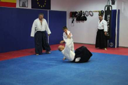 aikido-kids-infantil-y-juvenil-aikido-aikikai-san-vicente-del-raspeig-alicante-fotos-clase-31-10-2016-055-img_9600