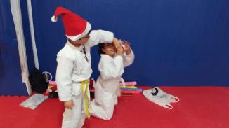 aikido-kids-infantil-y-juvenil-entrenamiento-navideno-2016-defensa-personal-aikido-aikikai-san-vicente-del-raspeig-al_120