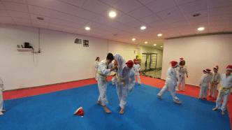 aikido-kids-infantil-y-juvenil-entrenamiento-navideno-2016-defensa-personal-aikido-aikikai-san-vicente-del-raspeig-al_35