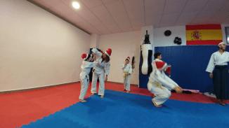 aikido-kids-infantil-y-juvenil-entrenamiento-navideno-2016-defensa-personal-aikido-aikikai-san-vicente-del-raspeig-al_41