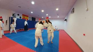 aikido-kids-infantil-y-juvenil-entrenamiento-navideno-2016-defensa-personal-aikido-aikikai-san-vicente-del-raspeig-al_48