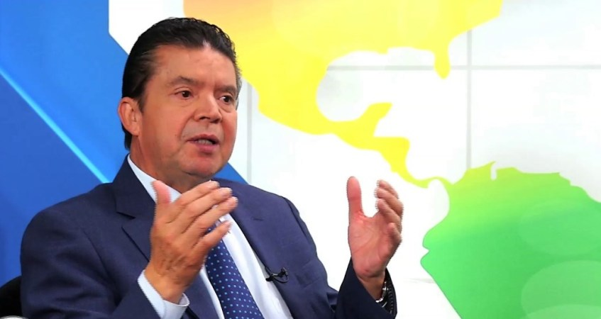 Julio Roberto Gomez, presidente de la CGT habla sobre el tema laboral