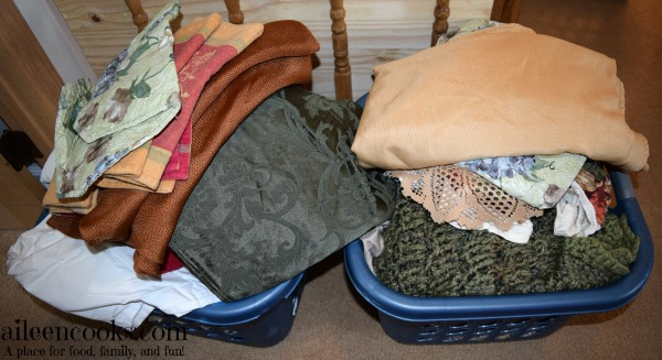 7 Day De-Cluttering Challenge Day One: See How I purged my linen closet! http://aielencooks.com