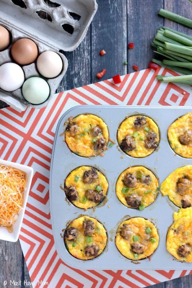 Mini-Omelettes-Recipe-in-muffin-tin