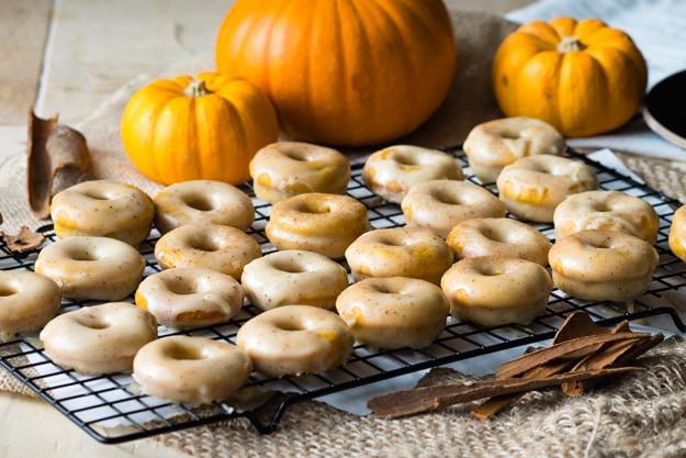 baked-pumpkin-donuts-brown-butter-glaze
