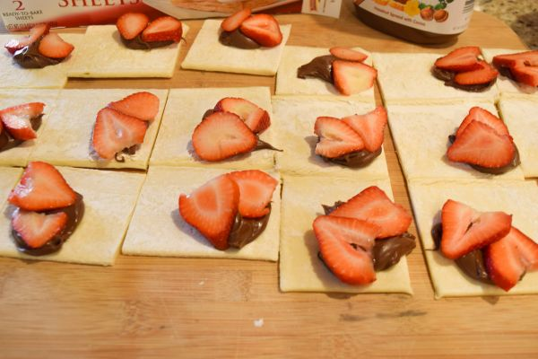 Puff Pastry with Nutella and Strawberry for turnovers