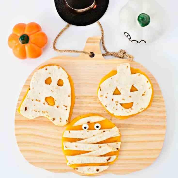 Mini Halloween Quesadillas - helloyummy