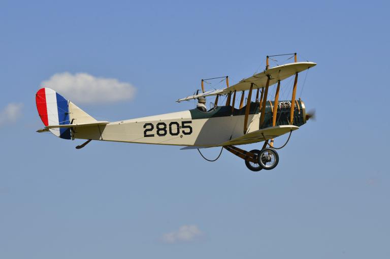 キットから製作した複葉スケール機 Curtiss Jenn