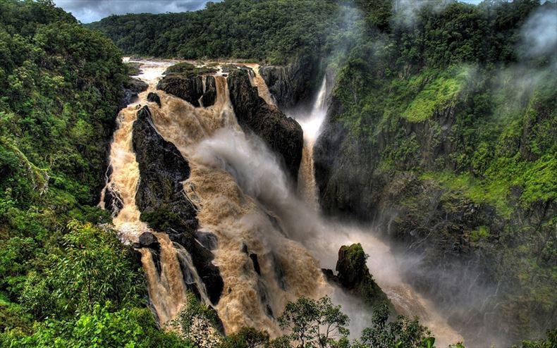 美しい滝画像 12