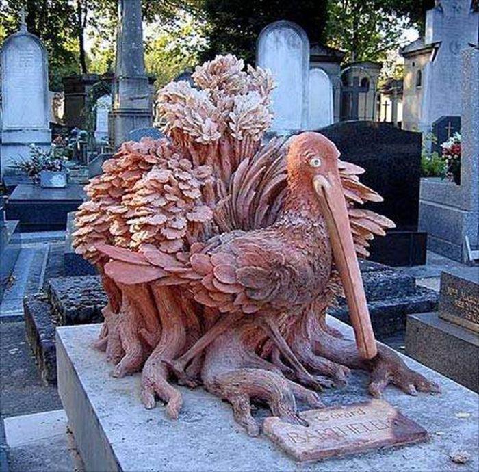 色々な思いがつまった世界の変わったお墓(墓石)