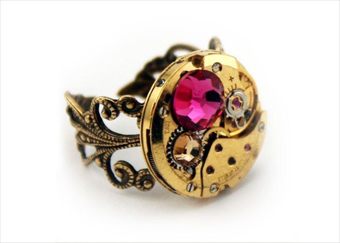 海外のユニークデザインな指輪、結婚指輪