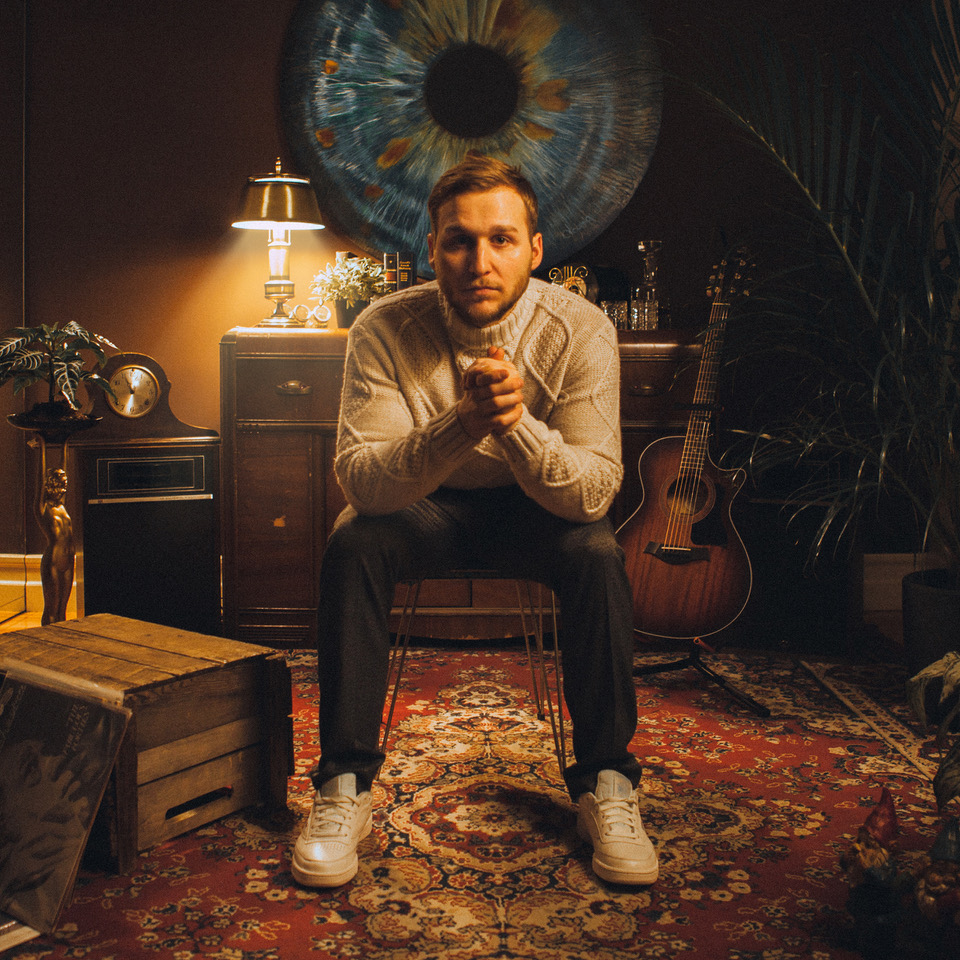 """You are currently viewing Speaking to Canadian Singer-Songwriter Oliver Charles About His New Single """"Let Go of My Ghosts"""""""