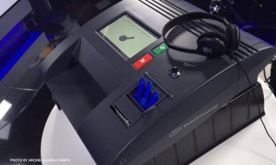 Smartmatic_vote_counting_machines_