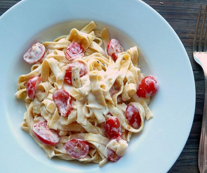 Tagliatelles sauce roquefort et tomates cerises