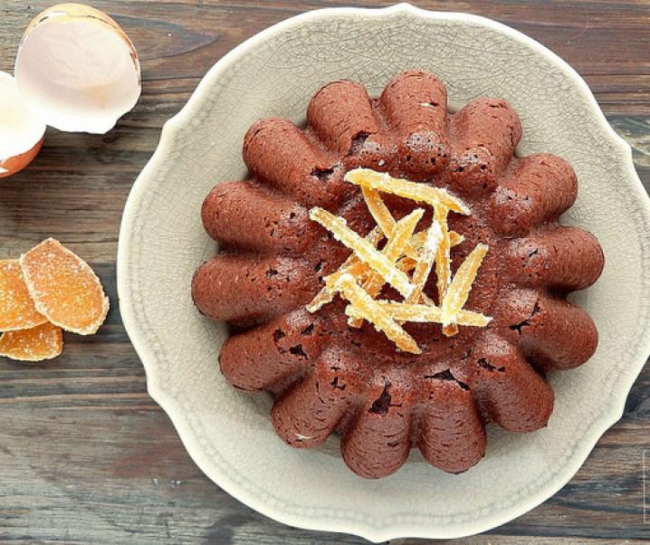 Gâteau de semoule moelleux au chocolat et gingembre confit