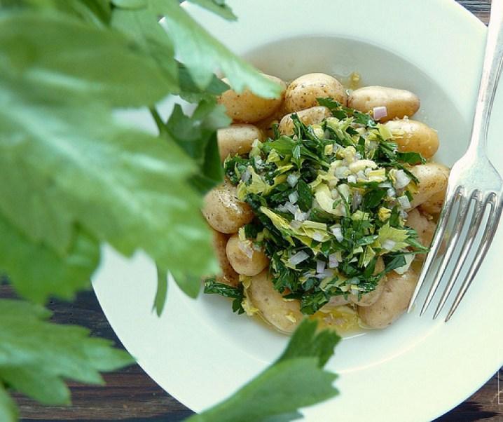 Salade de pommes de terre aux herbes