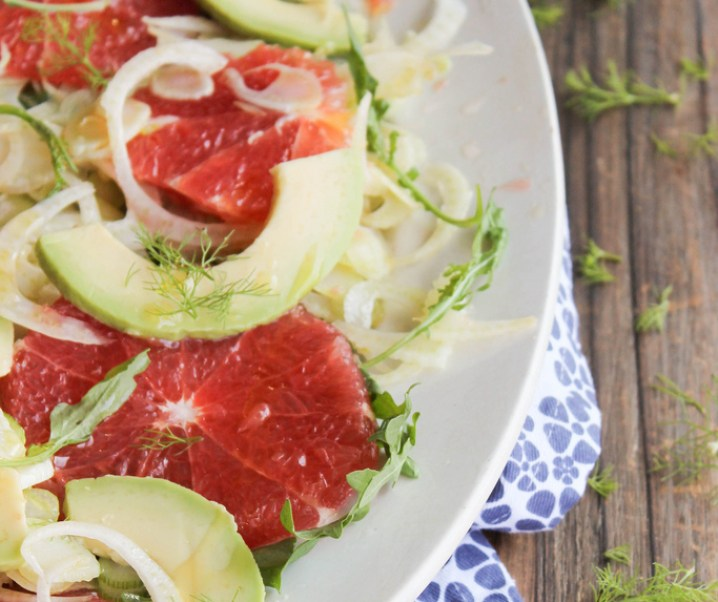 Salade de pamplemousse, avocat, fenouil et roquette