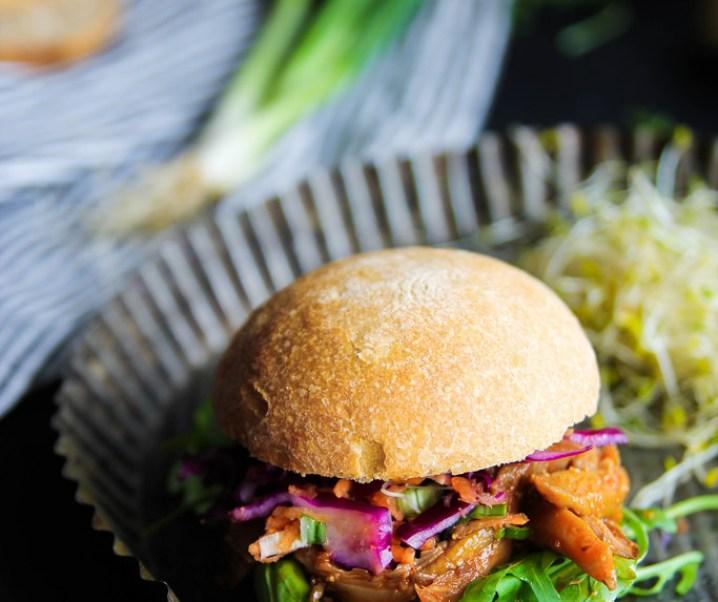 Pulled pork vegan burger
