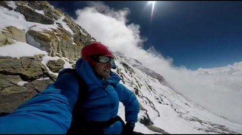 Alpinism. Kilian Jornet a urcat Everestul in timp record: 26 de ore