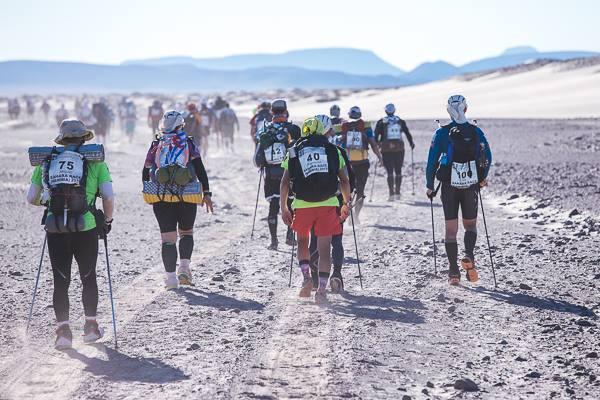 Ultramaratonul Namib: Suntem la 11 minute de podium !!!