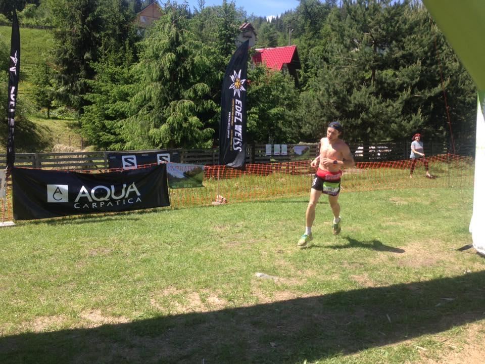 Robert Hajnal este lider in ultramaratonul de 3 zile din Bucovina