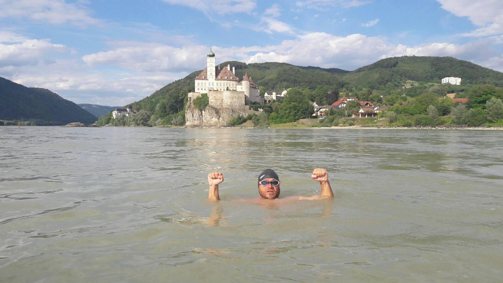 """Moment de referinta in aventura extrema de pe Dunare. Avram Iancu a ajuns la """"portile"""" Vienei."""