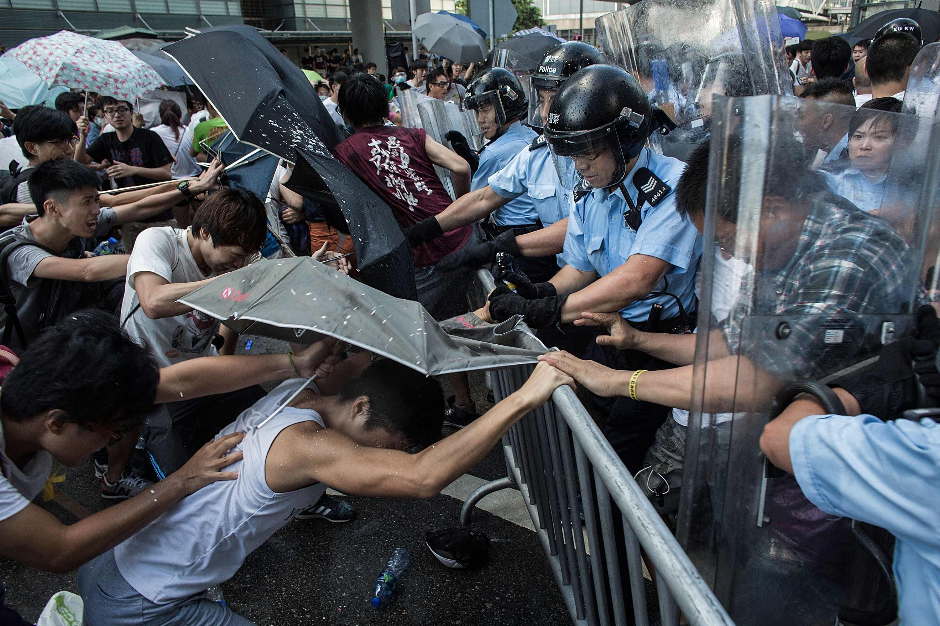 Hong Kong: Police response to student pro-democracy protest an alarming sign | Amnesty International