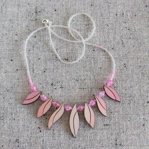 Helmekee lehtedega | Irina Tammis Design