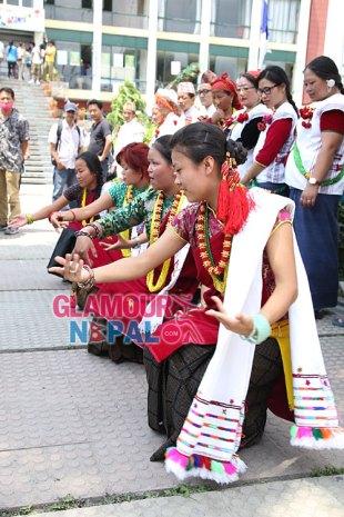 Derechos de las imágenes http://glamournepal.net/
