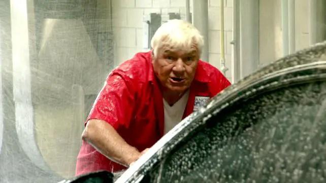 wwe-legends-house-episode-3-pat-patterson-car-wash
