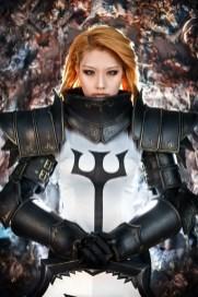 diablo-III-crusader-cosplay-tasha-7